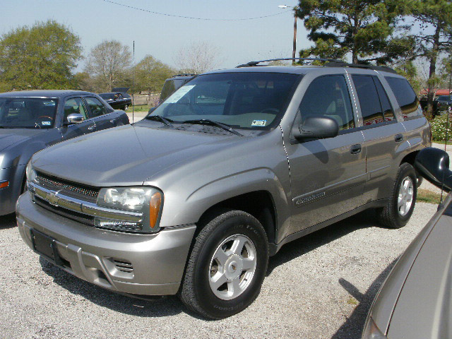 2002 chevrolet trailblazer 4 door. Cars Review. Best American Auto & Cars Review